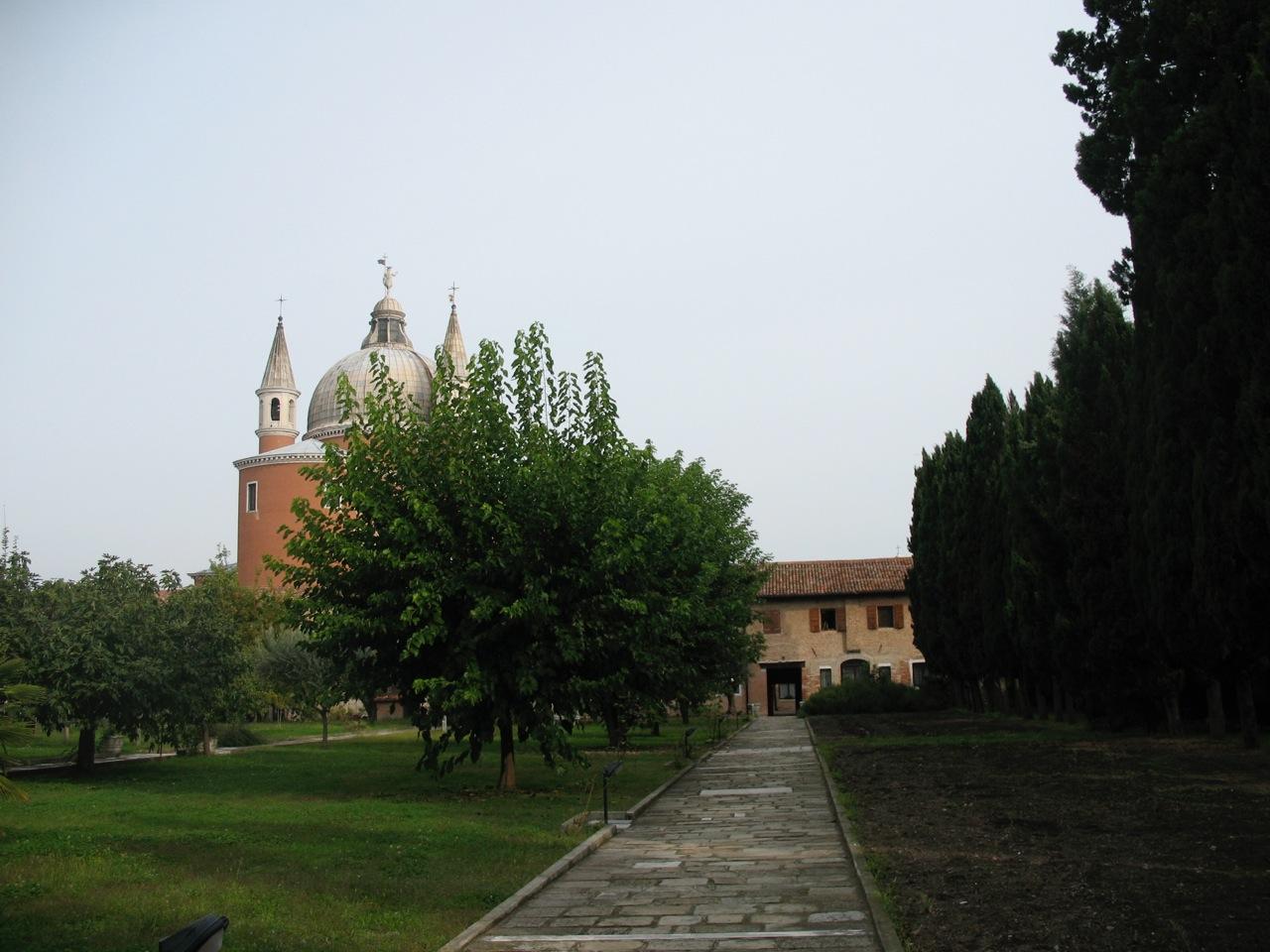 Scorcio del giardino del Redentore alla Giudecca (Venezia)