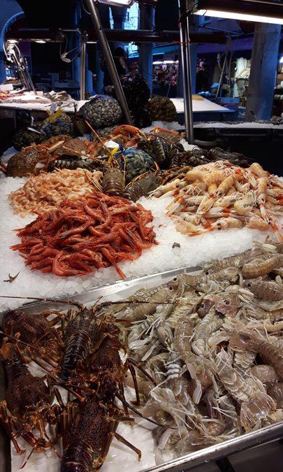 Il mercato del pesce di Rialto a Venezia