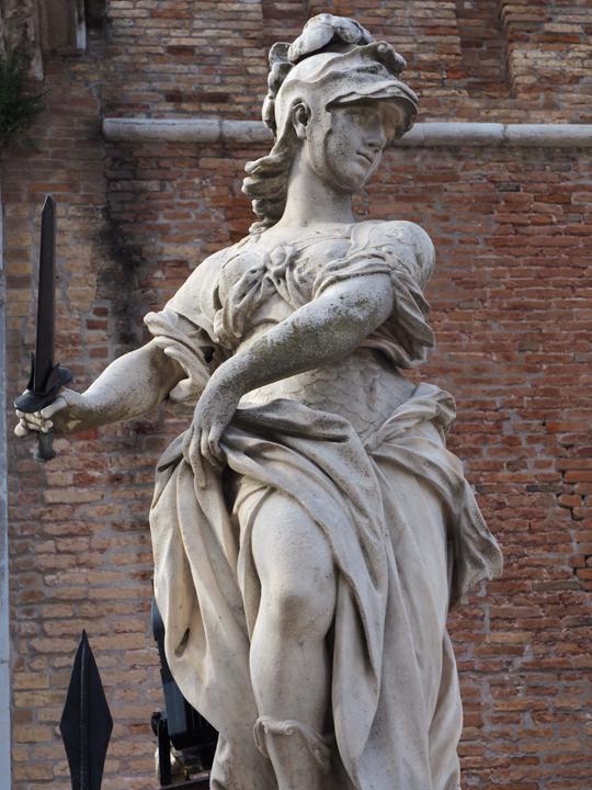 Arsenale a Venezia, Statua della Giustizia