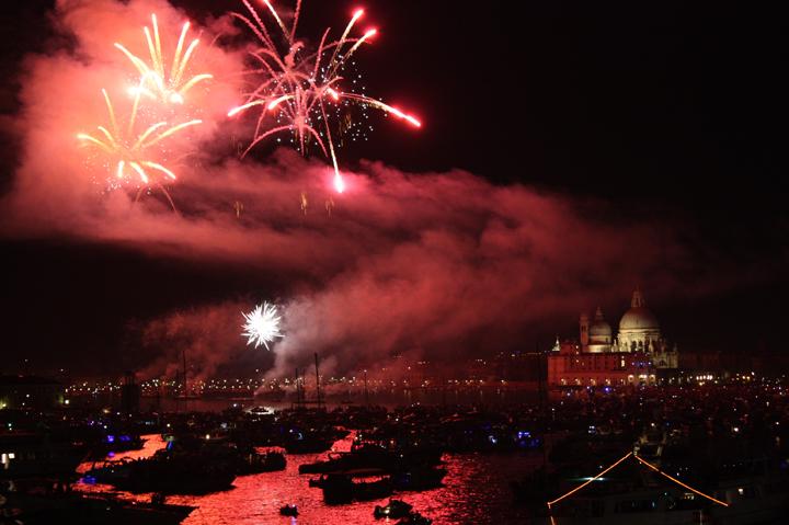 Venezia, La notte del Redentore, Fuochi d'artificio