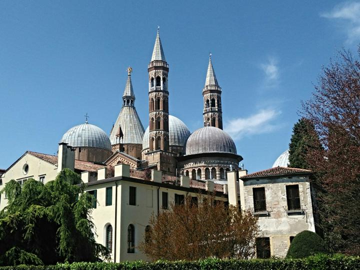 Padova, i 'minareti' della Basilica di Sant'Antonio