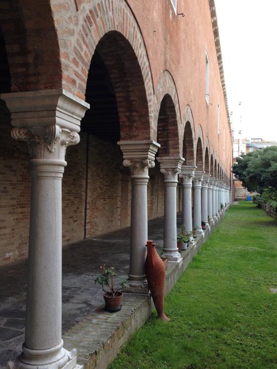 Die Arkade des Gartens von S. Francesco della Vigna