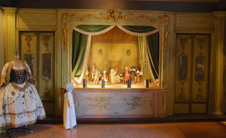 Kommen Sie mit mir zur Casa Goldoni: Theater und viel Interessantes!