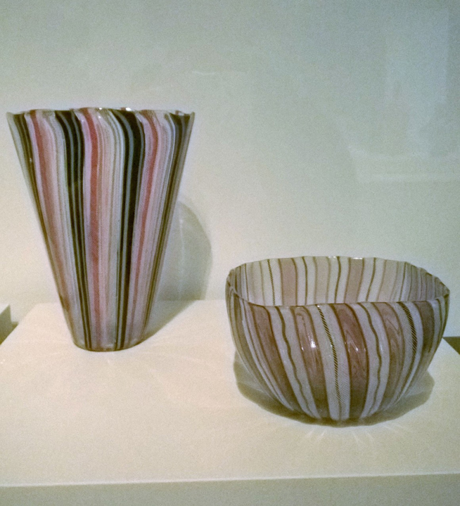 Example of the filigrana a retortoli glass (objects exposed in the exhibit)
