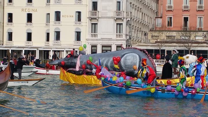 Caorlina with the pantegana-rat in Carnival of Venice, 2017