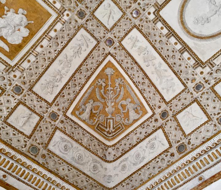 Stuccowork by Giovanni da Udine in the Callisto Room in Palazzo Grimani (1537-39)