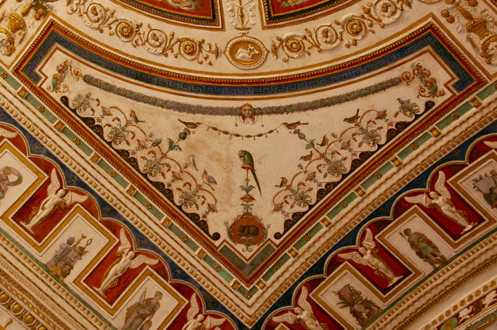 Detail of the ceiling of the Apollo Room in Palazzo Grimani, with grotesques by Giovanni da Udine (1540)
