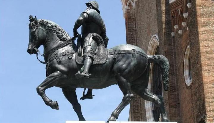 Il monumento a Bartolomeo Colleoni in Campo Santi Giovanni e Paolo a Venezia