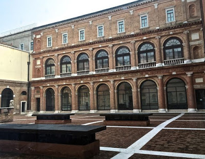 The Academy Galleries (inside courtyard)