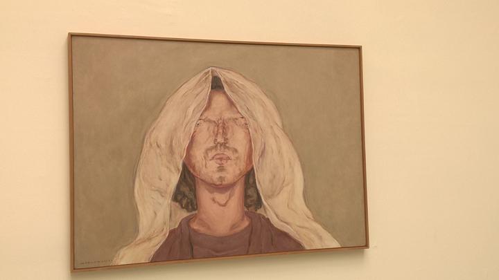 The Veil, nel Padiglione delle gioie e delle paure, le figurazioni melodrammatiche dell'artista, che considera i suoi molti dipinti di volti dei sacrifici all'arte.