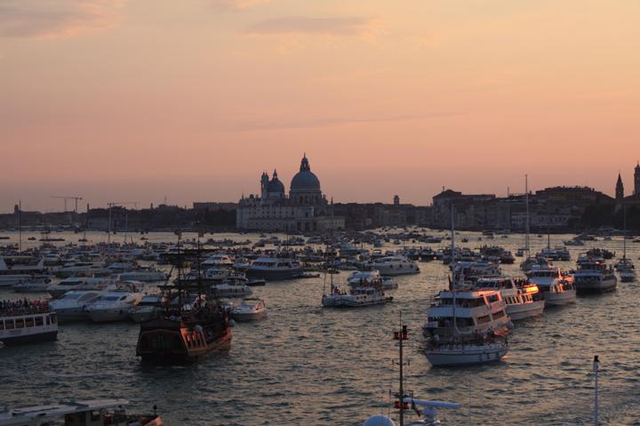 Le barche in attesa della festa del Redentore, Venezia