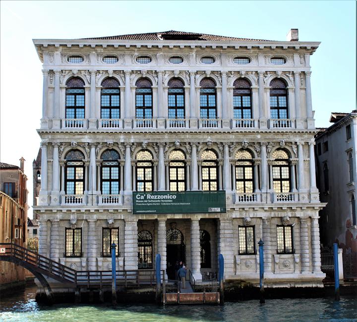 Facciata di Ca' Rezzonico, Museo del Settecento veneziano, Venezia