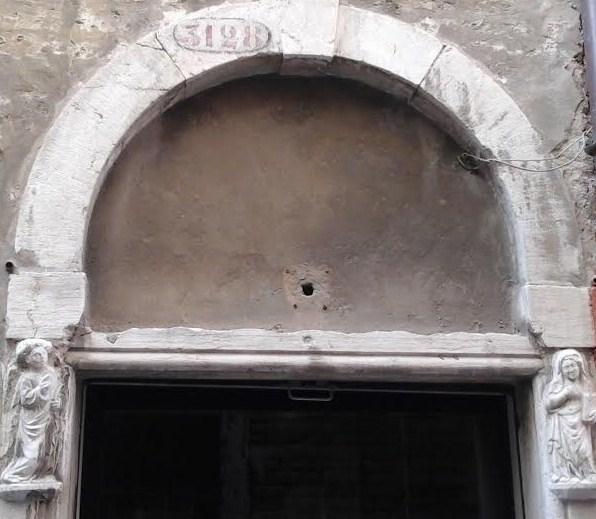 Venezia, Calle Botteghe, Annunciazione, Calegheri tedeschi