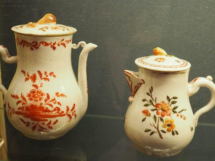 Milk jug and coffee pot