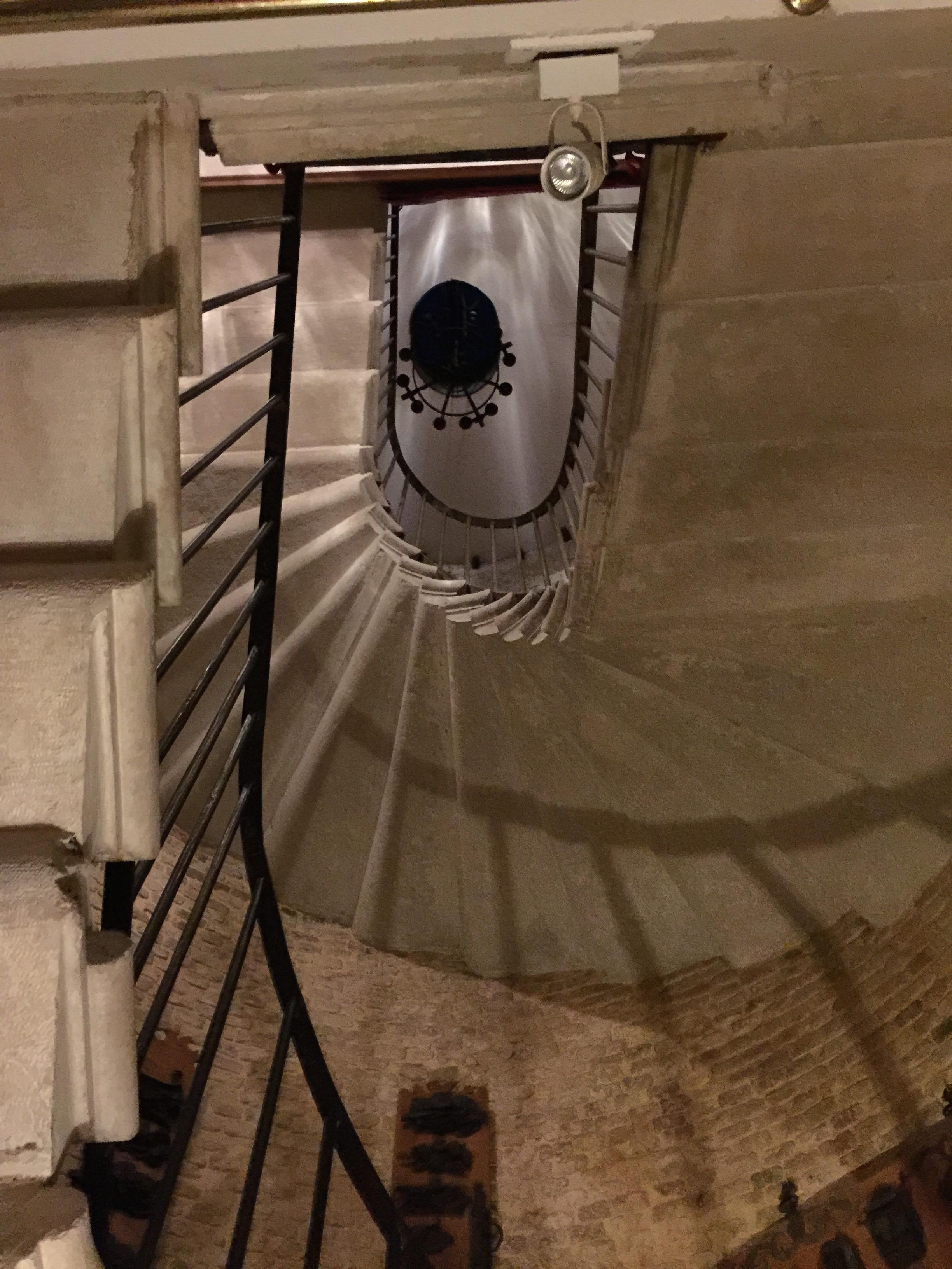 scalier en colimaçon de l'ancien bâtiment de la Pietà, qui fait maintenant partie de l'Hôtel Metropole