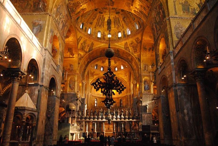 La basilica di San Marco e i suoi mosaici in foglia d'oro, Venezia
