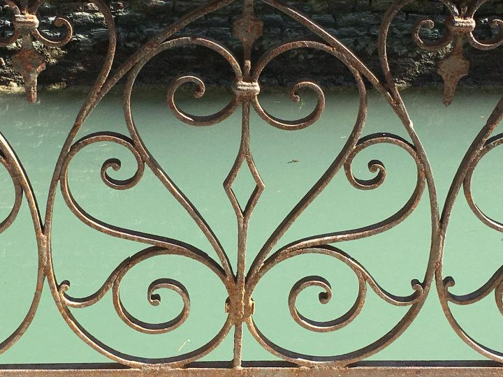 Venetian bridge's railing: detail