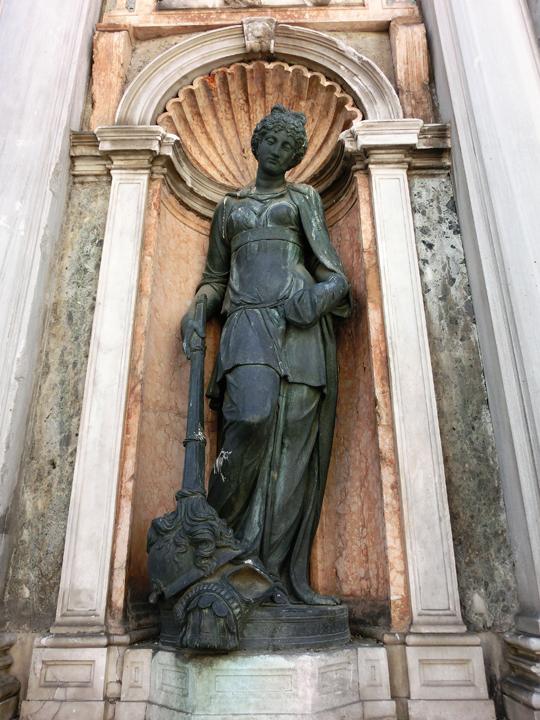 Loggetta del Sansovino, Piazza San Marco alla base del campanile