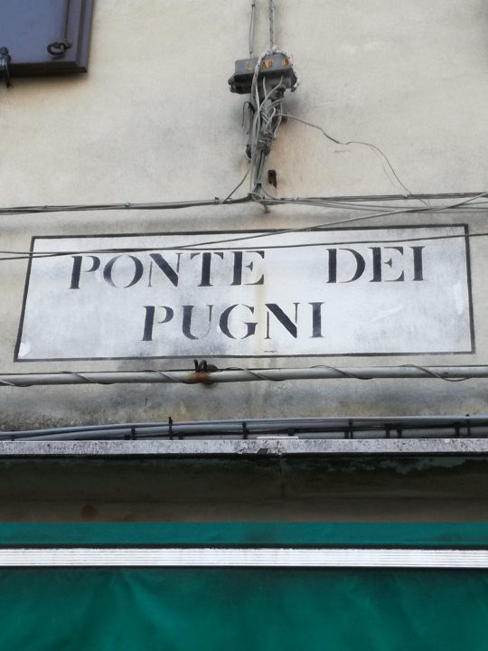 Ponte dei Pugni ( bridge of fists)