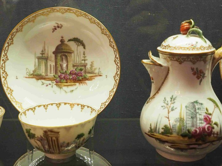 coffee pot, cup and saucer with Villas and Bersò theme