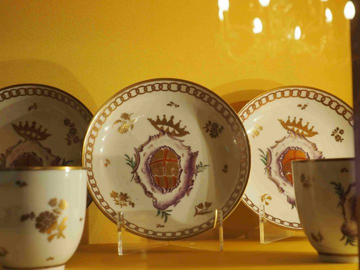 saucer with coat of arms of the family Giovanelli