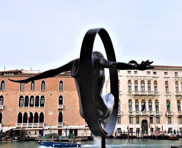 Lorenzo Quinn, Volare, Venezia