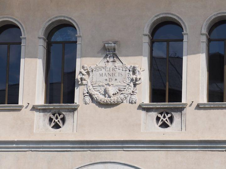 Fontego dei Tedeschi - obchodní dům kupců z německé oblasti u mostu Rialto
