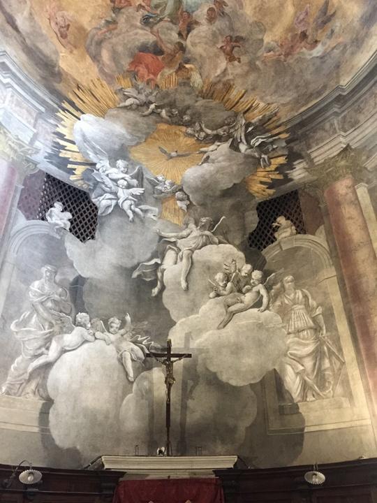 Abside del coro dei frati: ascesa di angeli tra le nubi verso la Trinità, altro affresco dei fratelli Valeriani, Chiesa degli Scalzi, Venezia