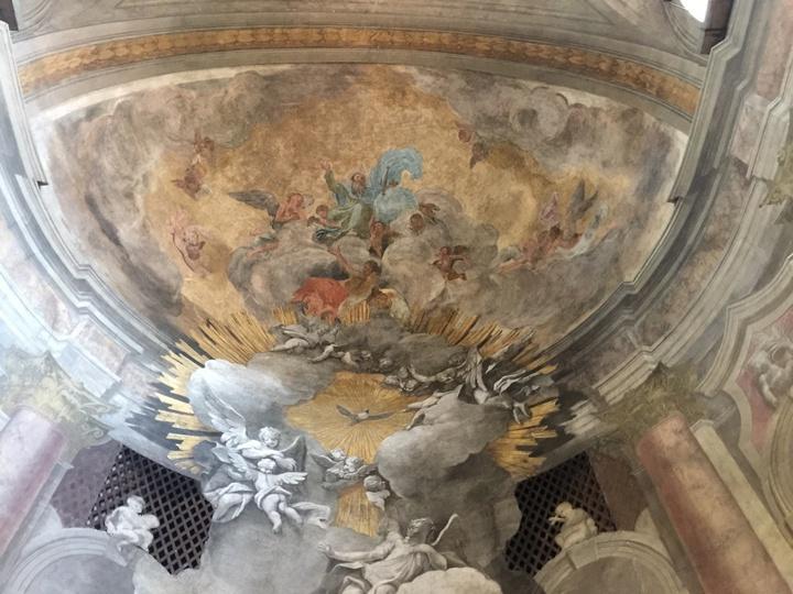 Padre Eterno in gloria; anche il catino del coro è affrescato dai fratelli Valeriani, Chiesa degli Scalzi, Venezia