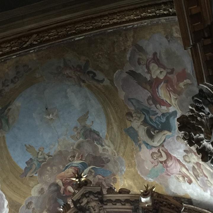 Volta della Sacra Famiglia o Manin, affrescata da Dorigny, con angeli inneggianti allo Spirito Santo, Chiesa degli Scalzi, Venezia