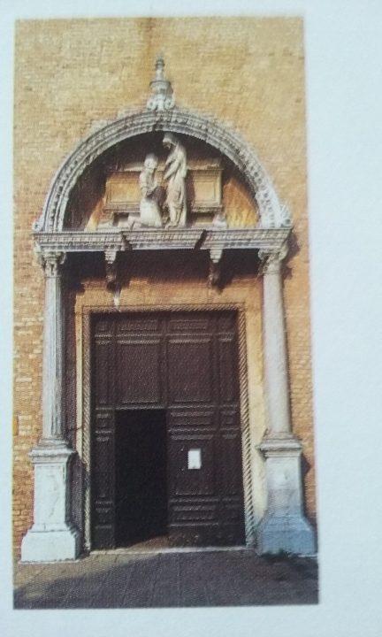 Portál kostela Sv. Heleny