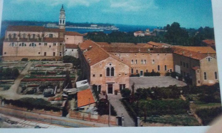 Portál kostela Sv. Mikuláše