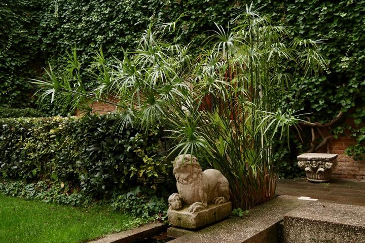 Der Garten Querini Stampalia von Carlo Scarpa: Ein Symbol Venedigs