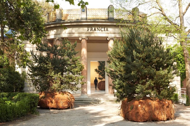The French pavilion in the Giardini with the installation Rêvolutions by Boursier-Mougenot (2015)