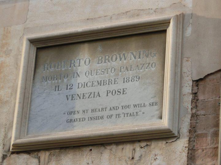 plaque commemorating Robert Browning on Ca' Rezzonico