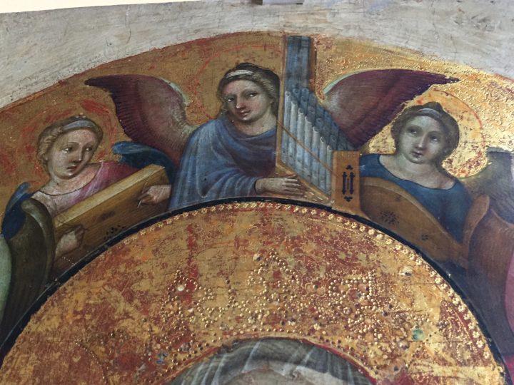 photo 5) Nicolò di Pietro, présent à Venise de 1394 à 1427 ; Vierge intronisée avec l'Enfant, les anges musiciens et le commanditaire ; détail