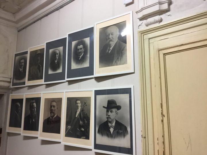 photo 2) photos de quelques enseignants et membres du conseil d'administration