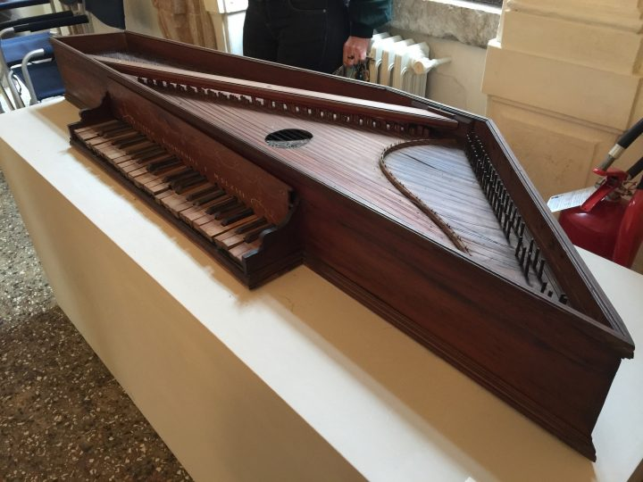 photo 7) the spinet was named after the Venetian Spinetti, who lived in the 13th century and was one of the first to make this instrument