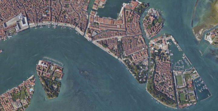 """View of Riva degli Schiavoni from above. Credits: Googlemaps"""