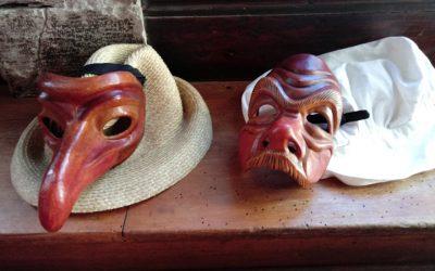 Dal volto alla maschera, dalla maschera al volto