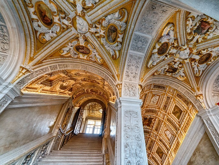 A Virtual Tour in Venice: The Doge's Palace and St Mark's Church