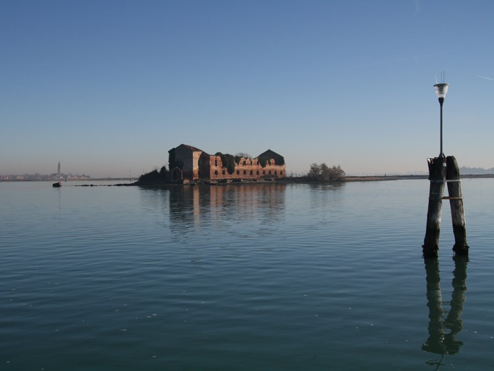 A Virtual Tour: The Venetian Lagoon, its landscape, birds and boats