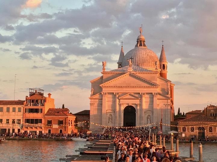 A virtual tour of Venice: Venice and the Plague