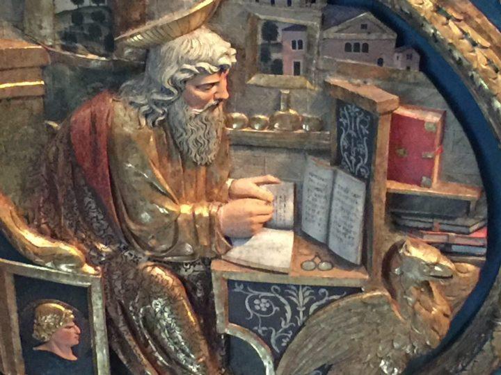 Photo 7 Saint Jean l'Évangéliste, détail du plafond en bois figuré de la Sala dell'Albergo ; salle XXIV des Galeries de l'Académie, Venise