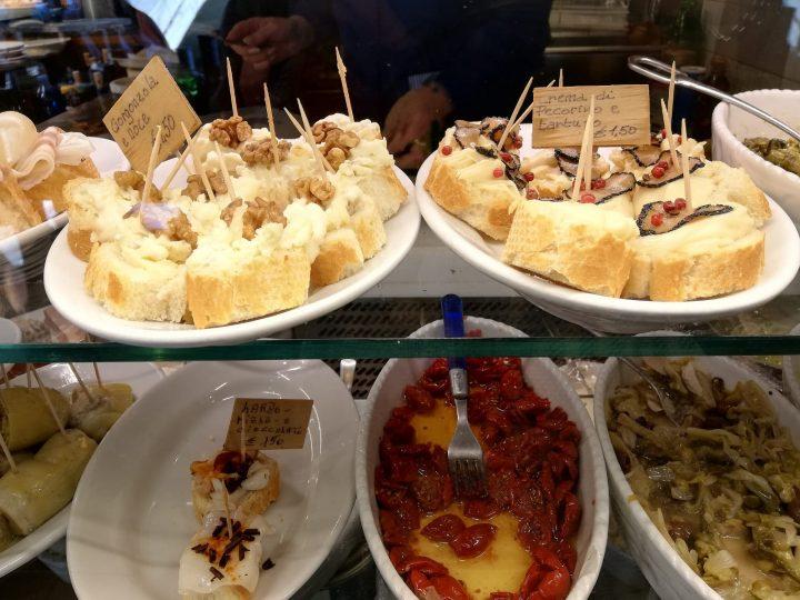Tvaroh s ořechy Pomazánka z ovčího sýru s lanýžem
