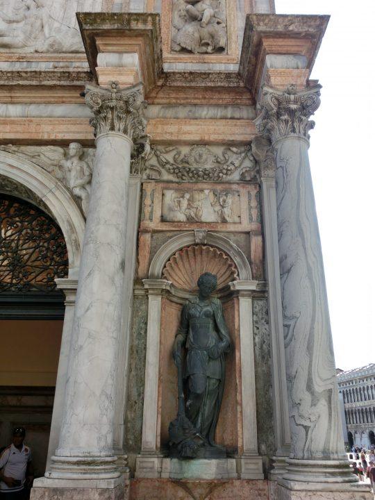 La petite loge du Sansovino, détail